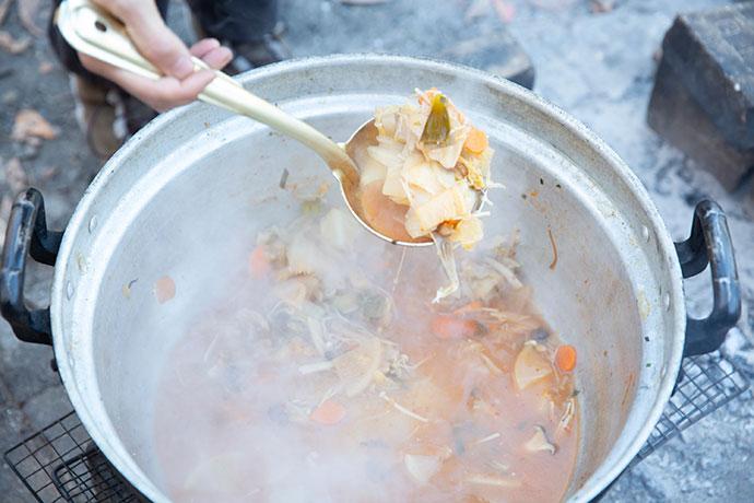 豆乳鍋は子ども用、ピリ辛キムチ鍋は大人用