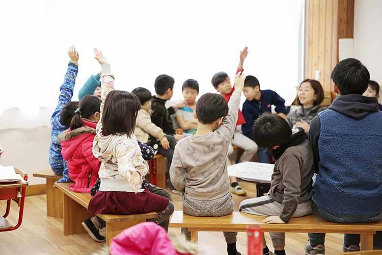 自由と責任の意味を学ぶ!日本初の「イエナプランスクール」に潜入 ~長野県 大日向小学校 視察レポートまとめ~