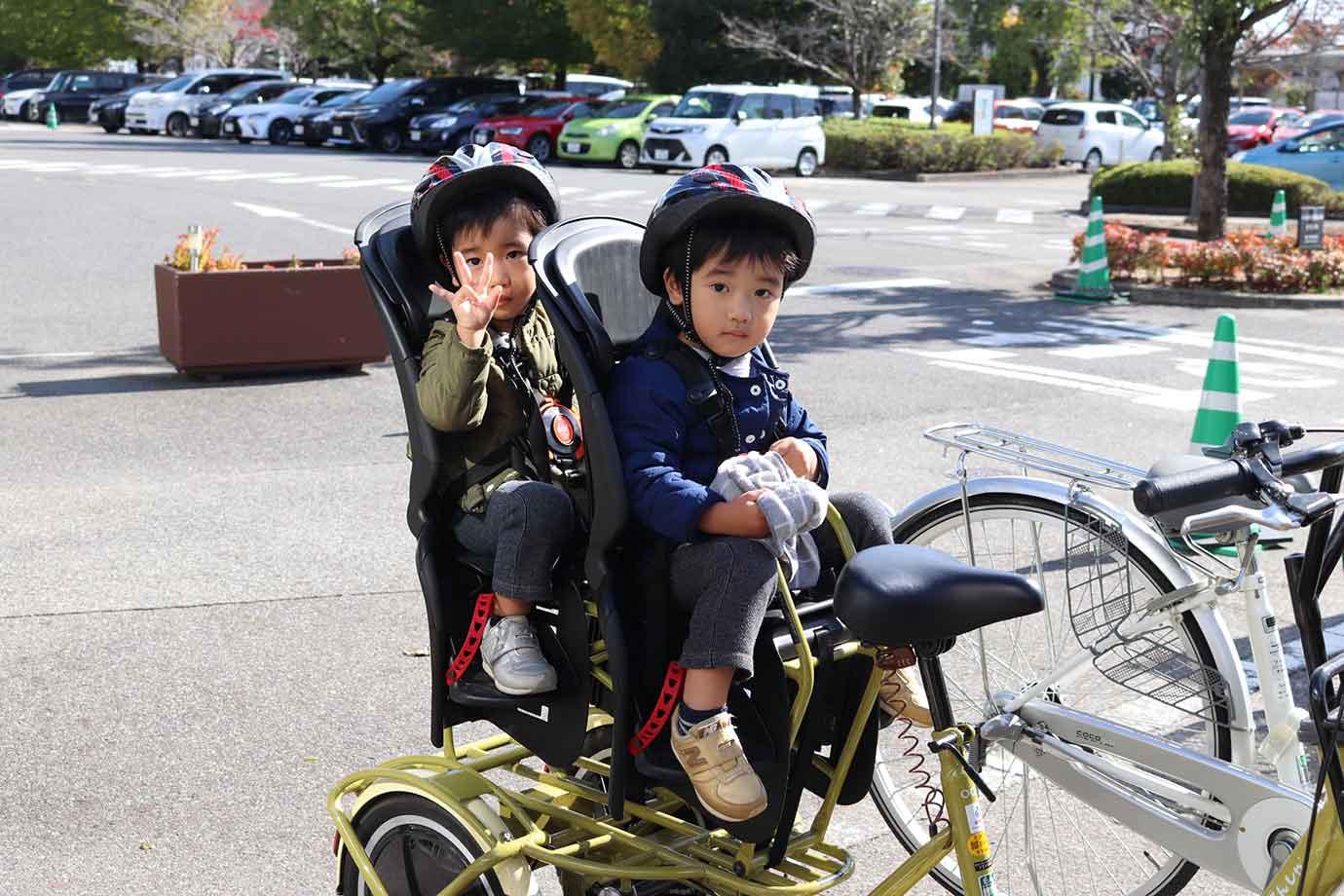 小さな子どもを連れての移動方法は、ママたちにとっても関心の高い話題でした。