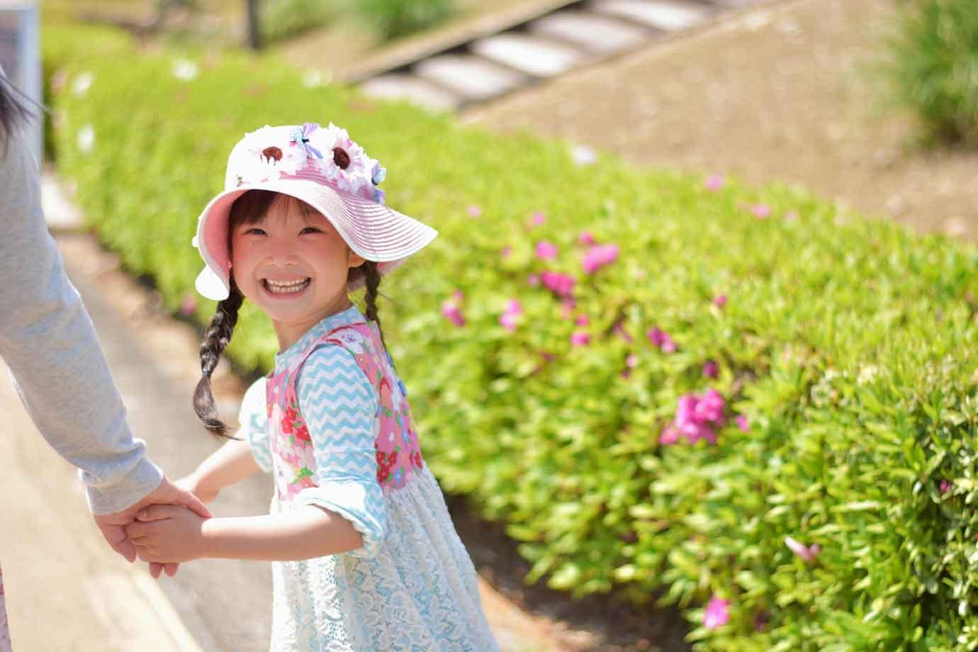 子どもの健やかな成長のために身につけたい自己肯定感は、自分のことを肯定できる感覚。ありのままの自分のことを受け入れて、認められる感情です