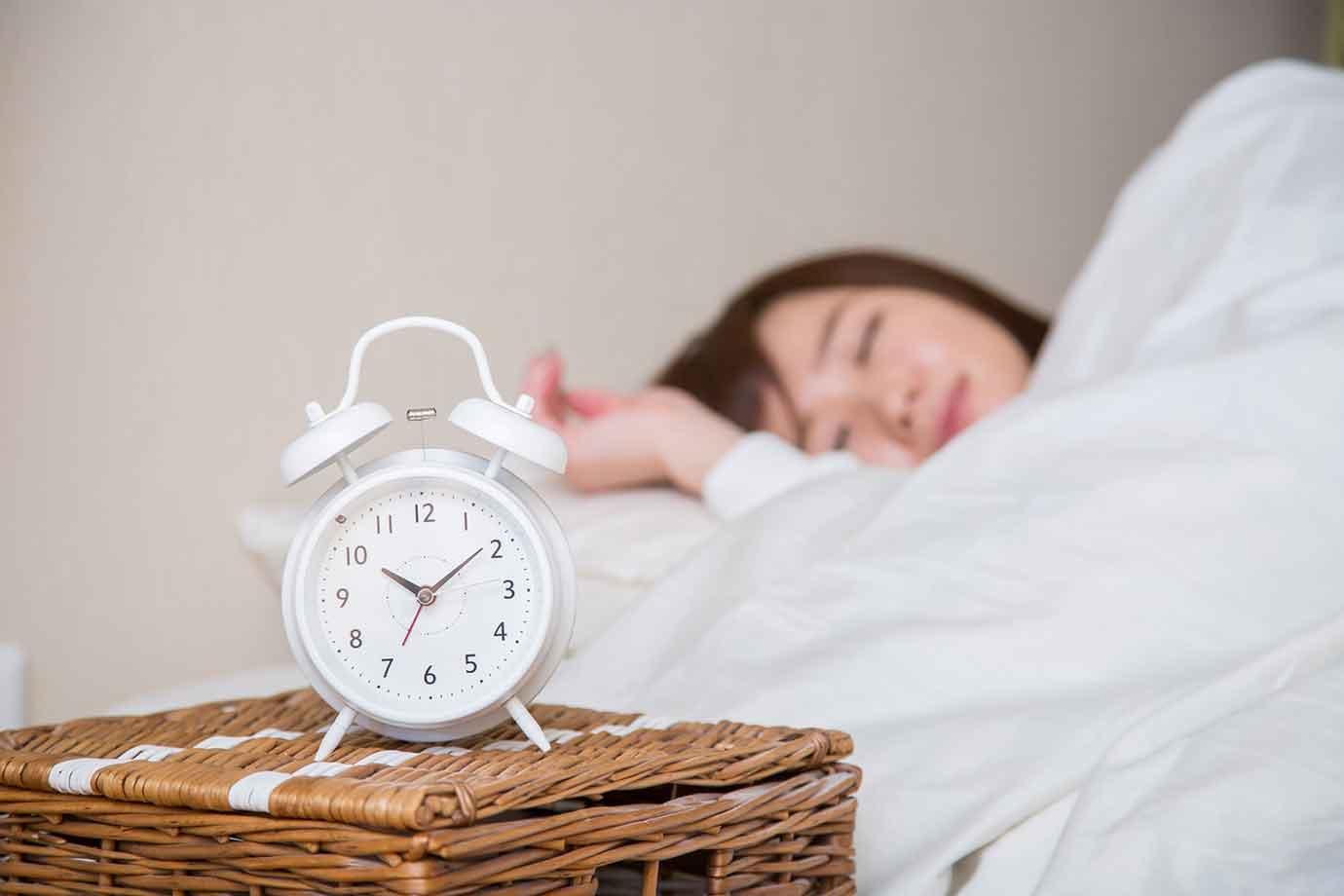 いつもの生活リズムを崩す行動は、睡眠の質を下げて疲労を大きくしてしまいます