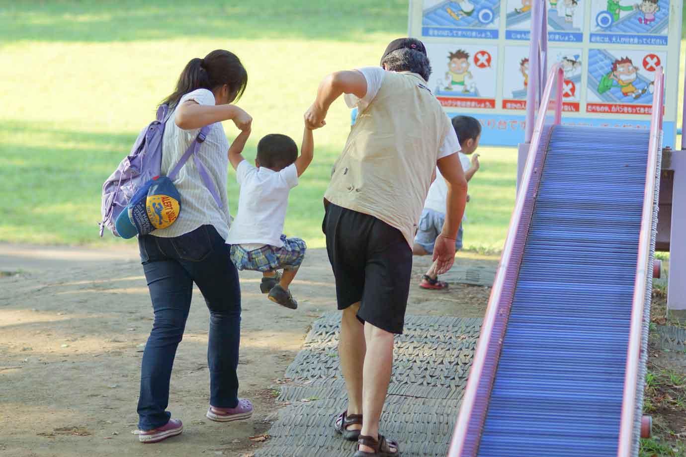 スポーツを楽しむには、小さな頃からの運動遊びが重要です