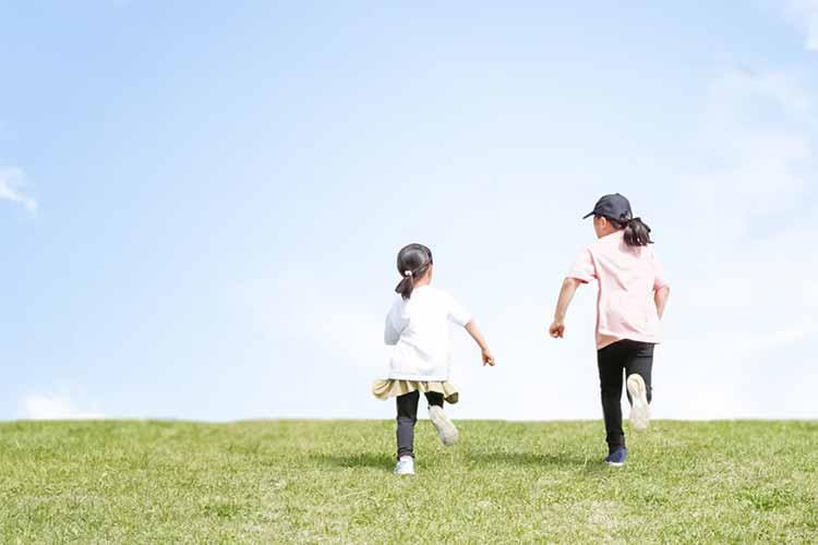 なぜ運動が必要?子どもの心と体を育む運動遊びや習い事とは